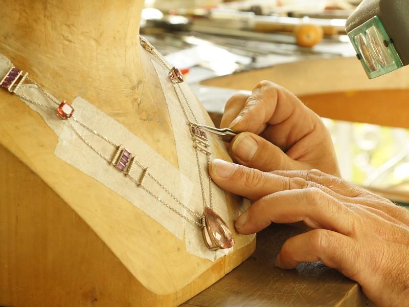 bermudes joaillerie la naissance d un bijou guide joailliers. Black Bedroom Furniture Sets. Home Design Ideas