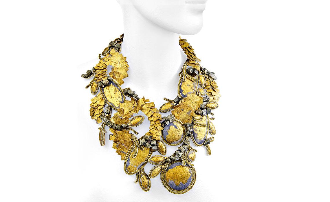 Dori Csengeri, une tisseuse d'or et de lumière