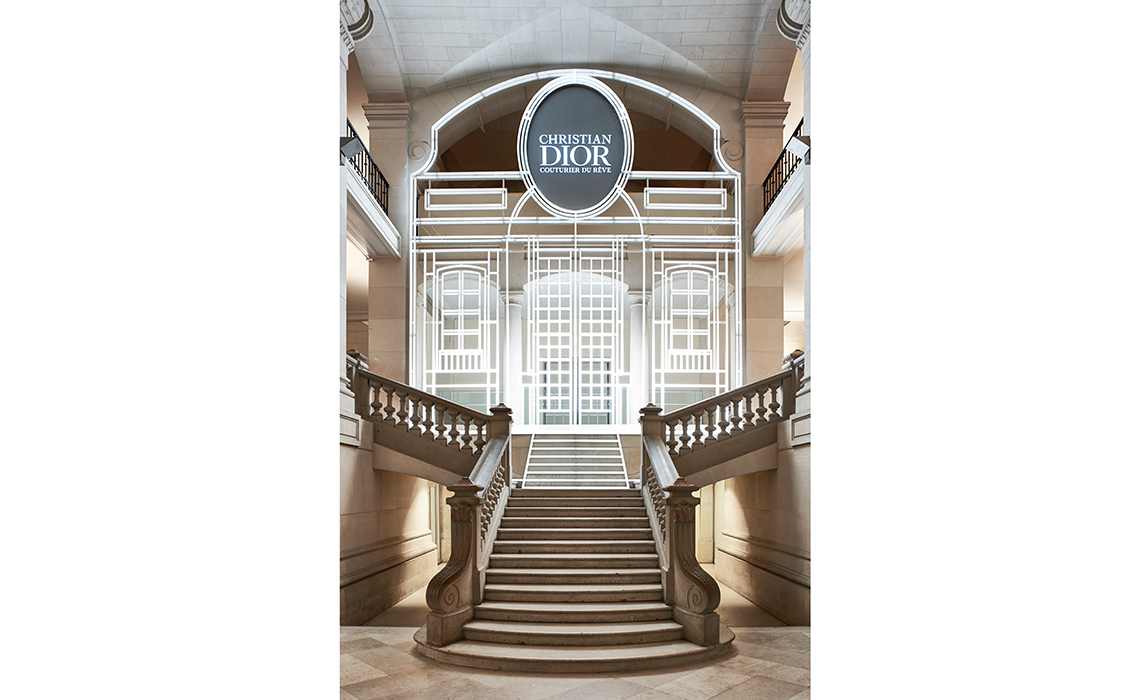La maison Dior célèbre ses 70 ans au Musée des Arts Décoratifs de Paris