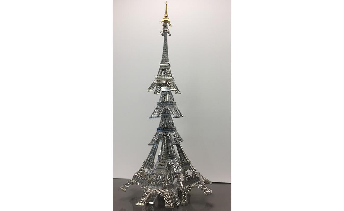 Les Sapins de Noël des Créateurs illuminent le cœur de Paris!