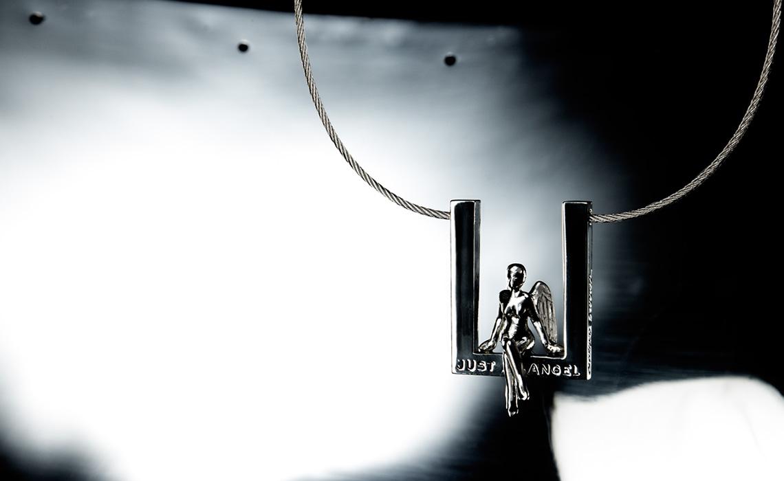 Sidney Carron ouvre une galerie pour mettre en scène ses bijoux contemporains