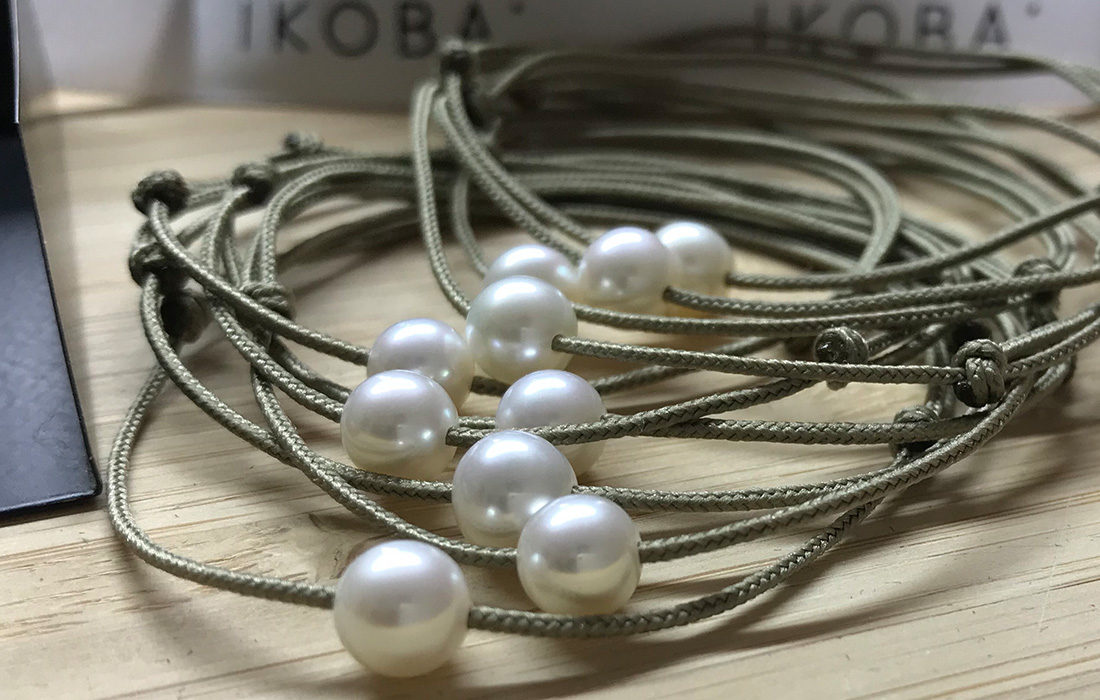 IKOBA: Des perles blanches pour soutenir les blouses blanches